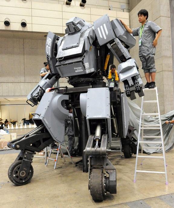 Куратас - гігантський бойовий робот http://techvesti.ru/
