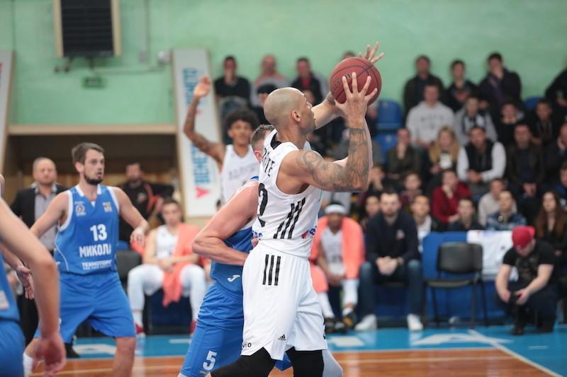 Обезьяны выиграли второй матч в Николаева / fbu.ua