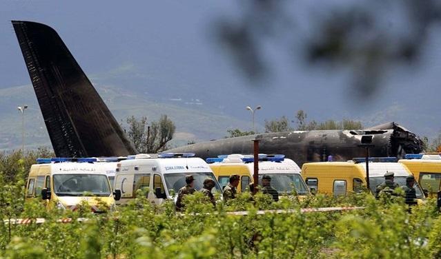 Папа скорбит о жертвах авиакатастрофы в Алжире / Reuters