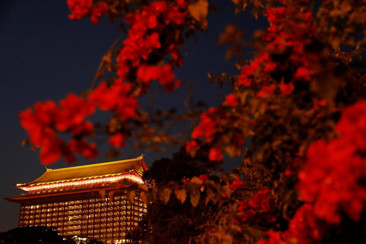 The Grand Hotel - один из самых высоких отелей в классическом китайском стиле в Тайпее (Тайвань) / Фото REUTERS