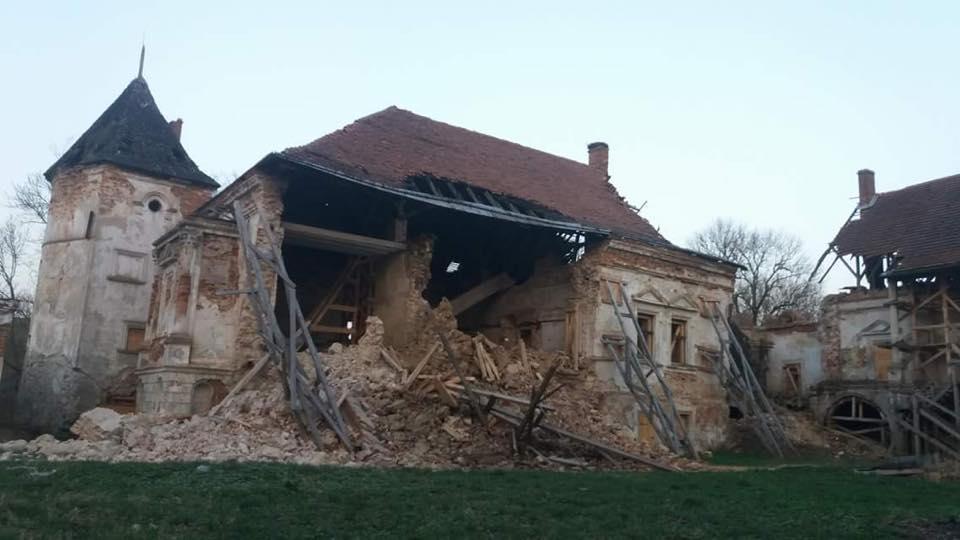 О разрушении Поморянского замка краеведы говорят уже давно / Фото facebook.com/NGO.ContrForce
