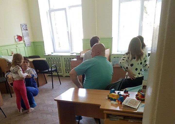 В львовском «Охматдете» обнаружили педиатра в нетрезвом состоянии / фото forpost.lviv.ua