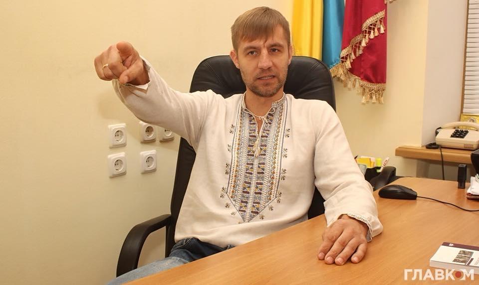 Крутчак сообщил новые подробности о транспорте нардепа / фото facebook.com/vkrutchak