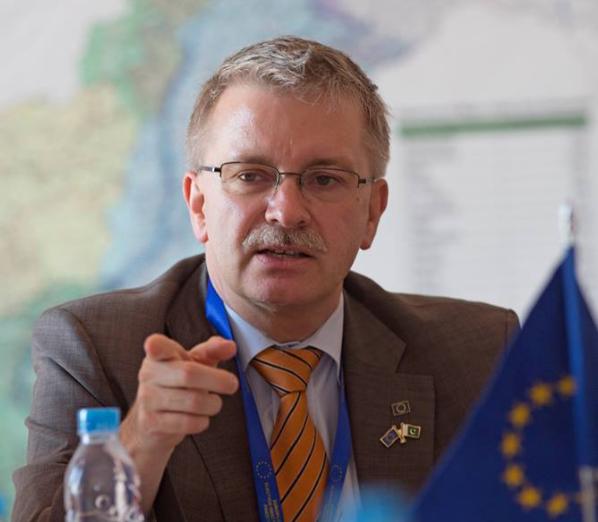 Если в Европарламенте будет больше прокремлевских сил, это может повлиять на Украину / facebook.com/michael.gahler.77