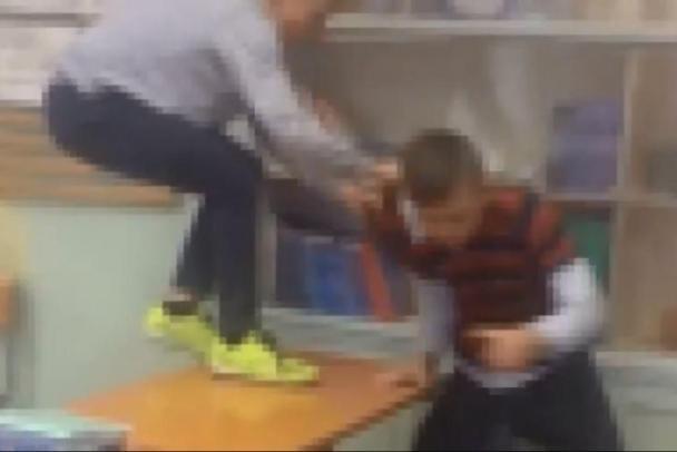 У російській школі регулярно б'ють учня через його українське коріння