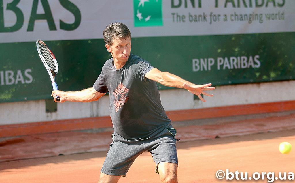 Стаховський програв вже у квалификакции турніру в Будапешті / btu.org.ua