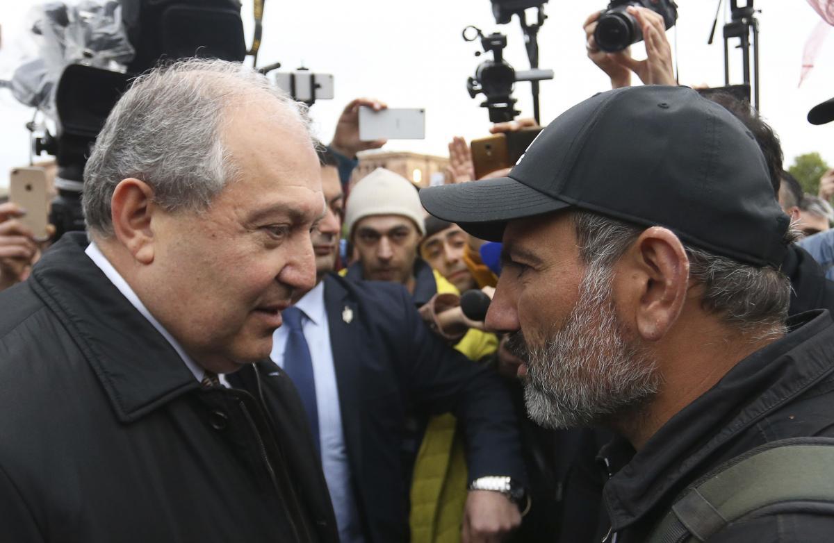 Президент Армении призвал правительство Пашиняна готовиться к досрочным выборам