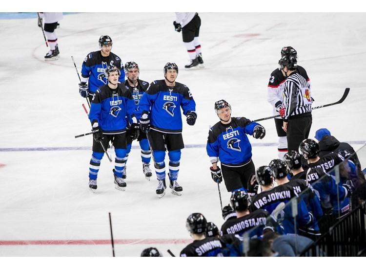Эстонцы забросили две шайбы в ворота сборной Украины / iihf.com