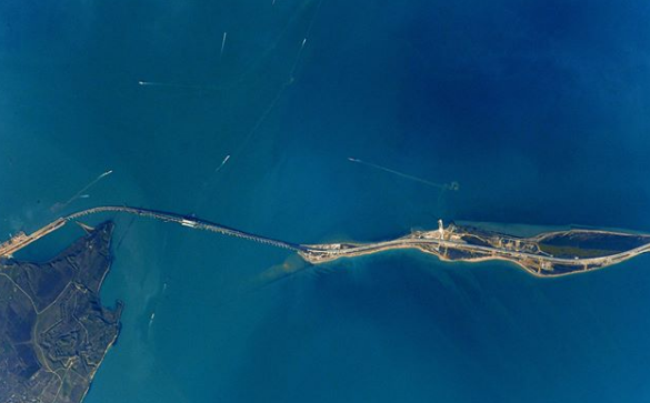 Крымский мост показали изкосмоса: появились фото