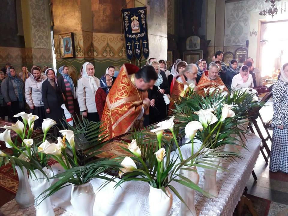 Військовий відділ УПЦ розпочав Хресний хід із чудотворними святинями лікарнями та шпиталями України / kapelan.org.ua