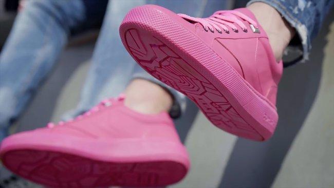 e4f03c41106e3e В Амстердамі випустили кросівки з підошвою із переробленої жувальної гумки.