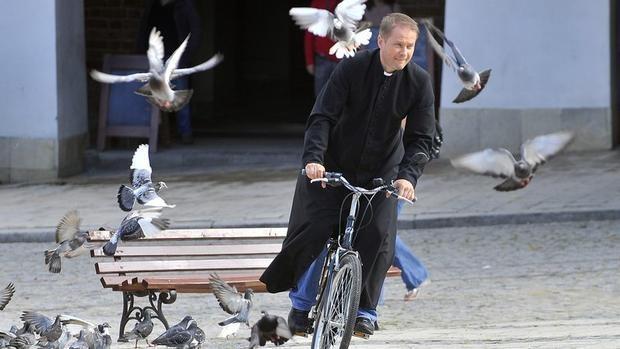 """Активисты анонсировали экуменический велопробег """"Калушскими святынями"""", иллюстративное фото / vikna.if.ua"""