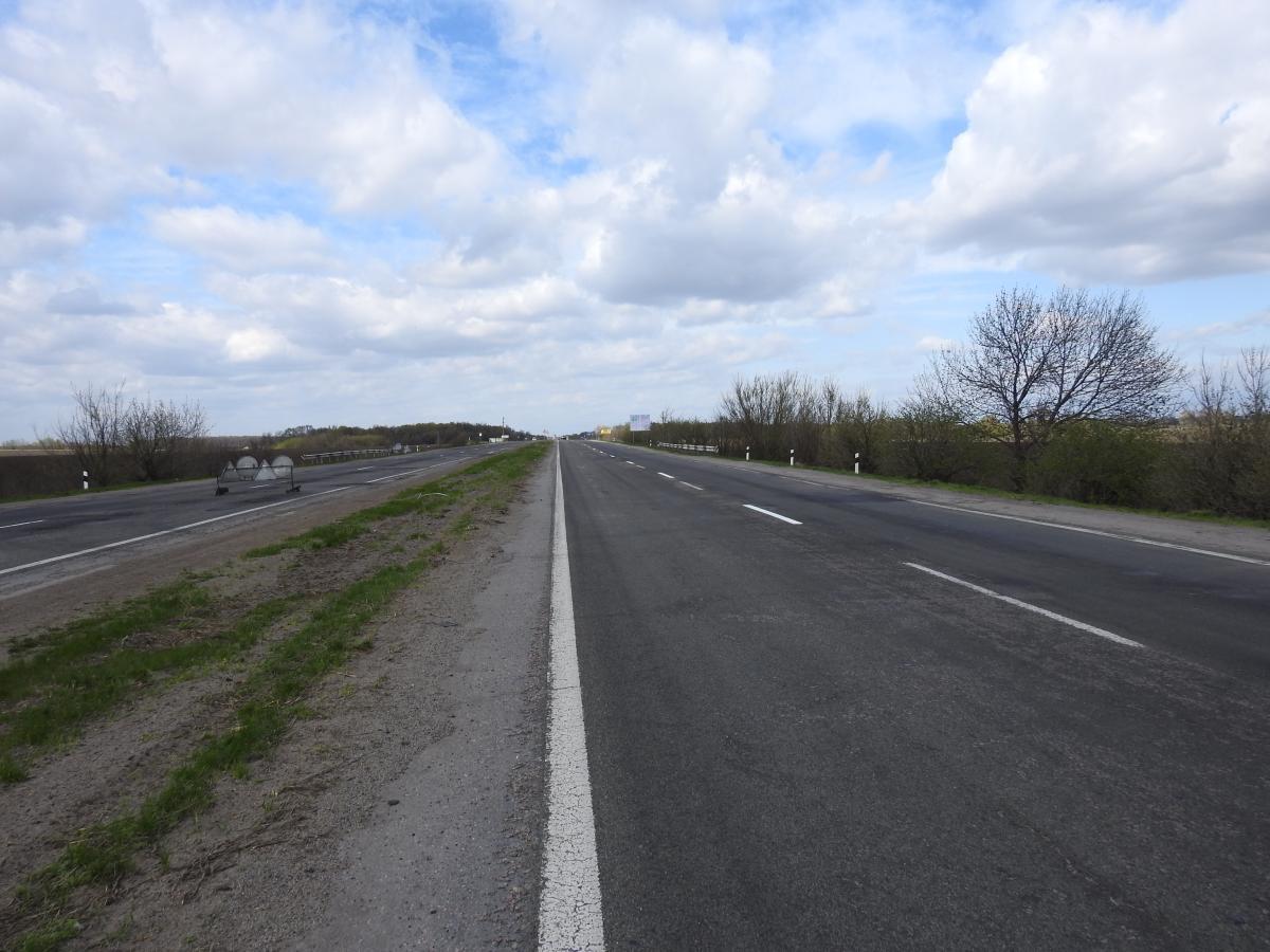 На трассе возле Николаева грабители отобрали у местного жителя более 15 млн грн / фото ukravtodor.gov.ua