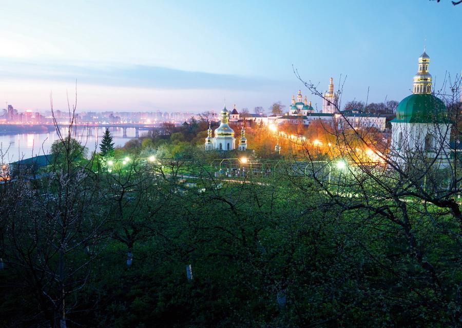 Фото: Лаврский сад сегодня / lavra.ua