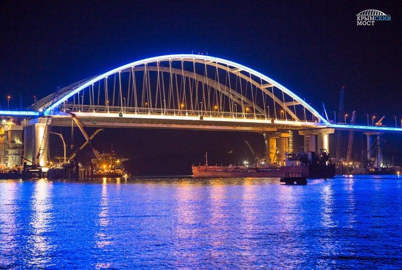 Оккупанты планируют открыть мост в мае / фото most.life