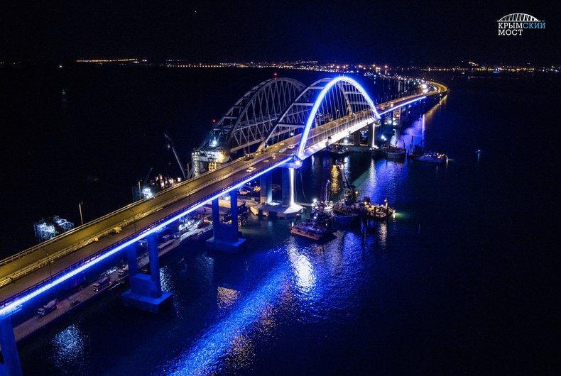 Срок работ по обеспечению безопасности Крымского моста сдвинут на 19 месяцев / фото most.life