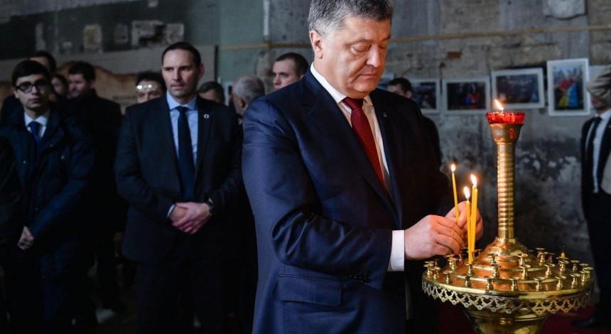 На Объединительный собор украинских церквей придет Порошенко - источник