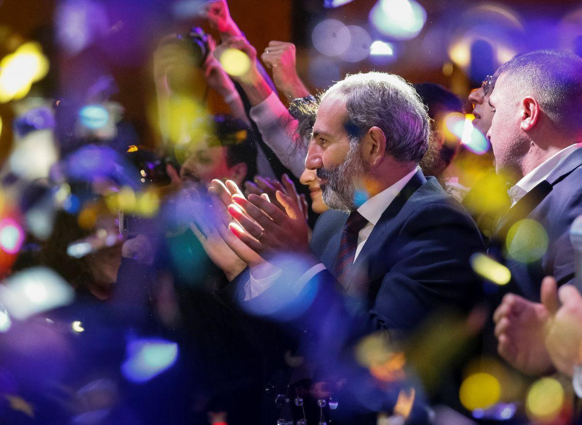 Nikol Pashinyan / REUTERS