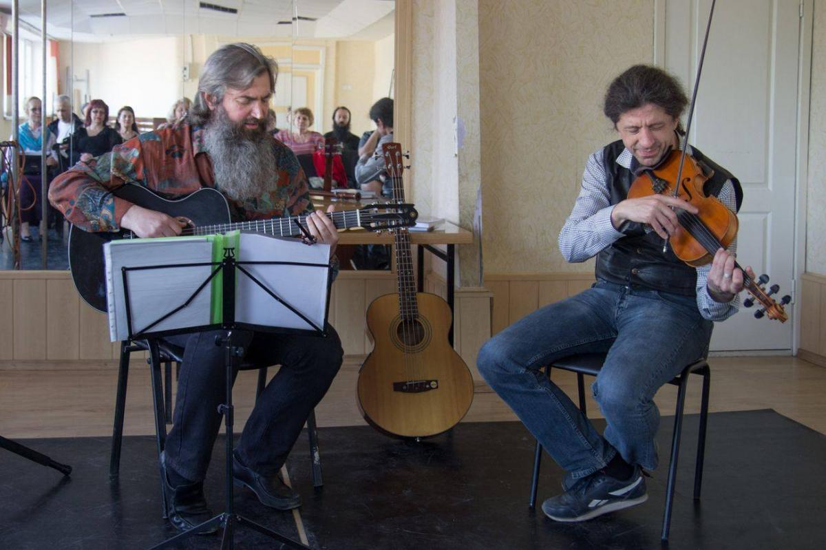 """Дует """"JivaOnline"""" провів концерт «30 хвилин Майже Джазу» / hramzp.ua"""