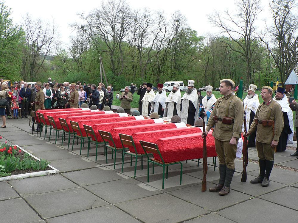 На Киевщине перезахоронили 84 бойца Второй Мировой войны / bucha.com.ua