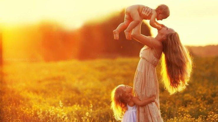 В этот день мы от всей души поздравляем дорогих мам с их праздником / Фото из открытых источников