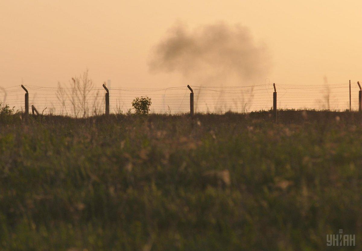 По предварительным данным, взрывы на арсенале в Балаклее спровоцировало возгорание ракетного двигателя / фото УНИАН