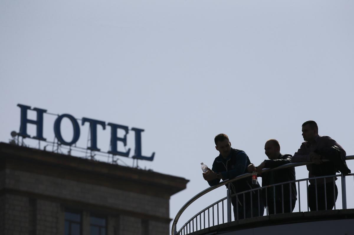 Згідно з рішенням Кабміну, готелі підпадають до переліку закладів, яким у вихідні буде заборонена діяльність / ілюстрація REUTERS