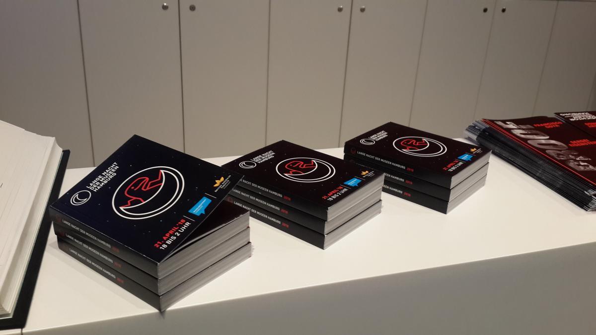 Бесплатная карманная справочная книжечка от Ночи музеев в Гамбурге / Фото Марина Григоренко
