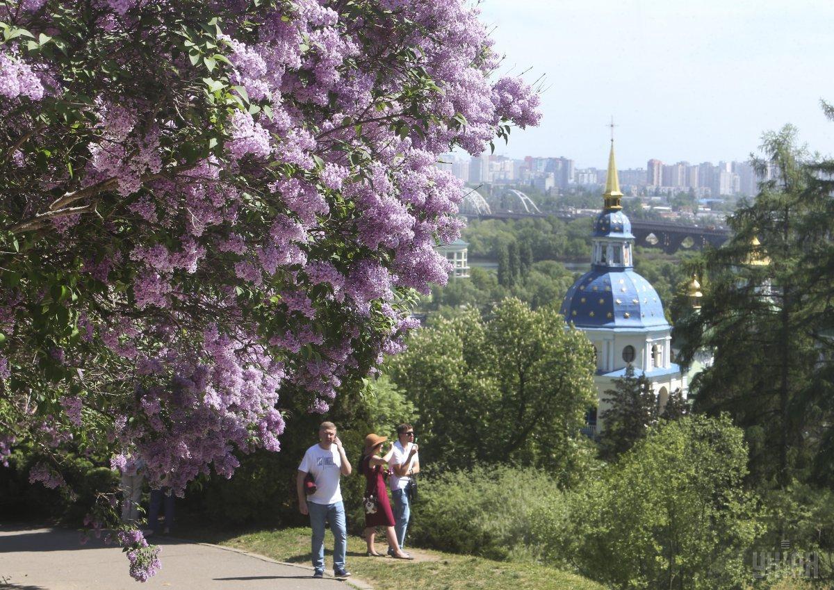 Травень у Києві став одним з найтепліших за понад 100 років / фото УНІАН