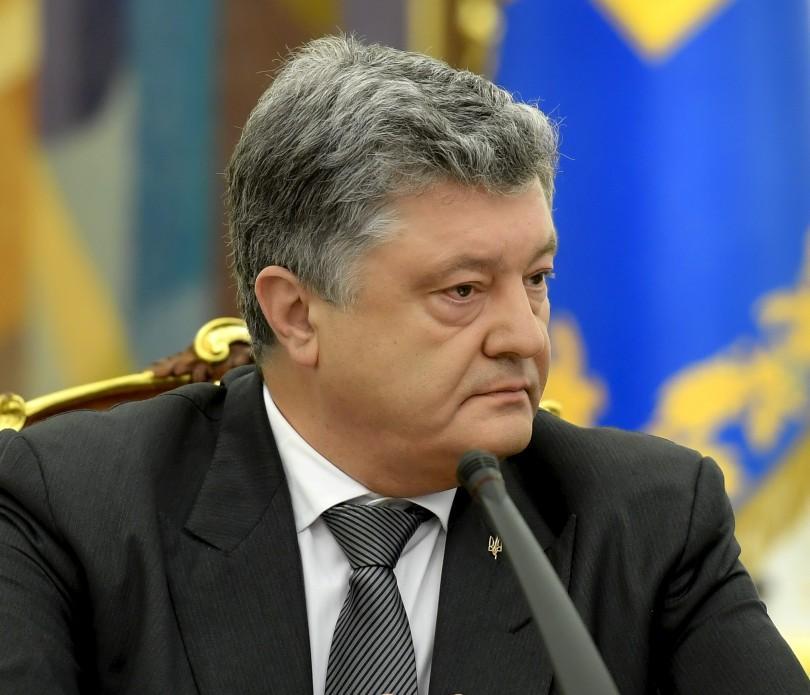 Порошенко, главными достижениями за последние четыре года является усиление украинской армии \ president.gov.ua
