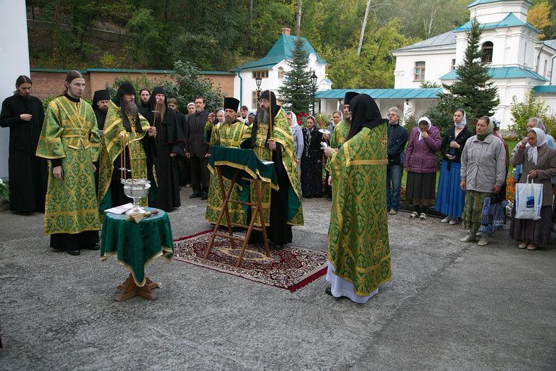 У Facebook відкрилися сторінки Богородичанськоїі Адамівськоїобителей / svlavra.church.ua