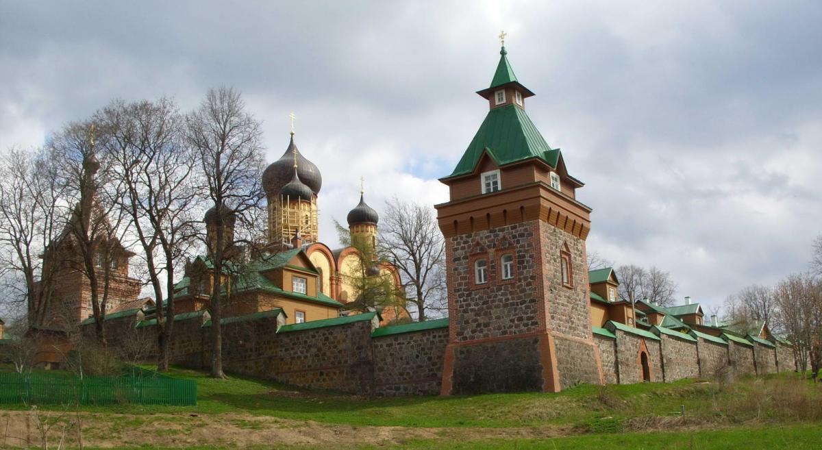 Пюхтицкий монастырь / Православие.Ru