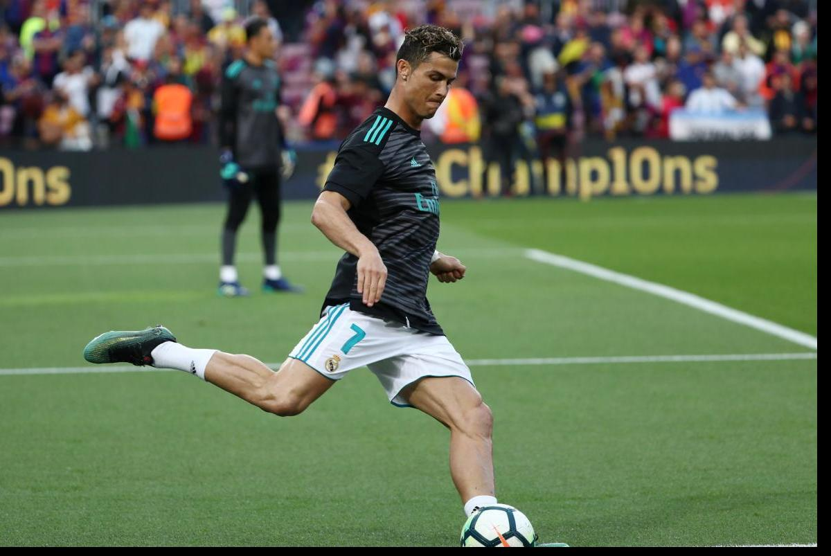 """УКриштиану Роналду отримав пошкодження у вчорашній грі з """"Барселоною"""" / REUTERS"""