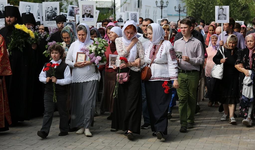 Более 300 верующих приняли сегодня участие в крестном ходе / svlavra.church.ua