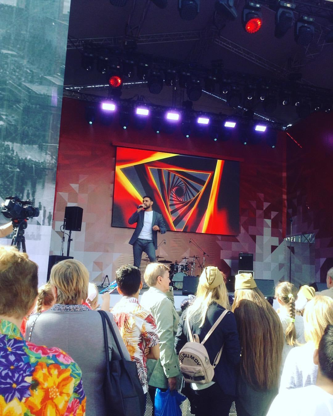 Козловский засветился на концерте / фото pictame.com/user/nadezhda.ogol