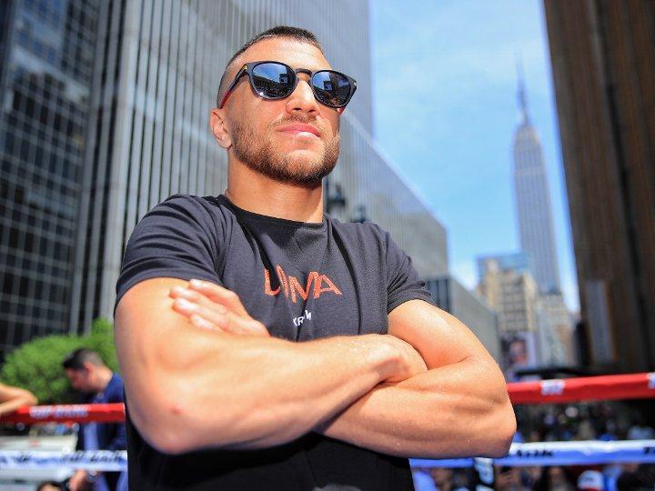 Василь Ломаченко провів відкрите тренування на вулицях Нью-Йорка / boxingscene.com