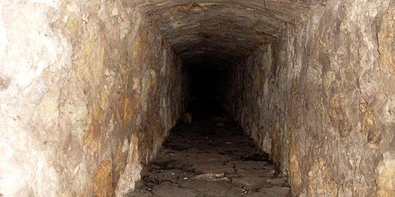 Людям доводилося зустрічатися і молитися таємно в підземному храмі / sedmitza.ru