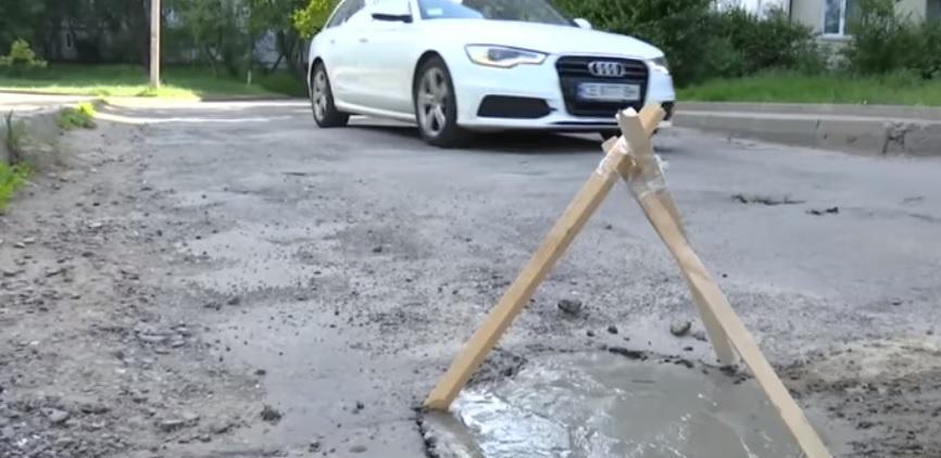 Водители поддерживают энтузиаста / Скриншот видео ТСН