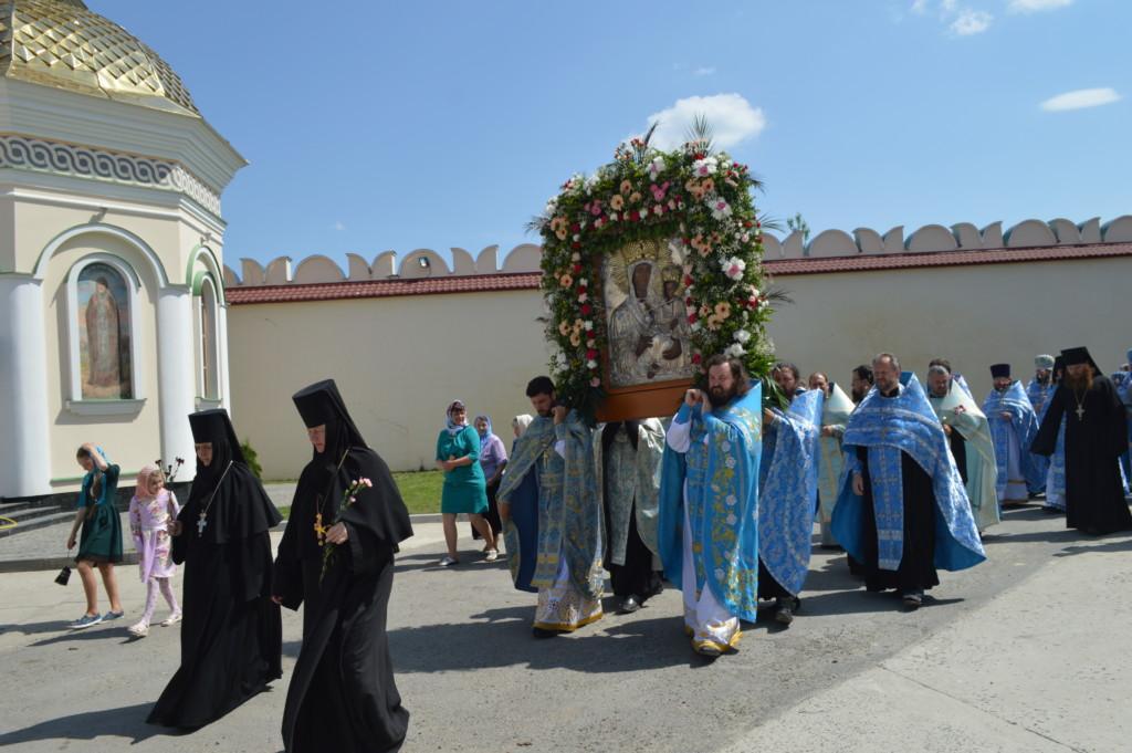 Чудотворний образ Божої Матері «Жизнеподательница» є покровителем Межиріцького монастиря / rivne.church.ua
