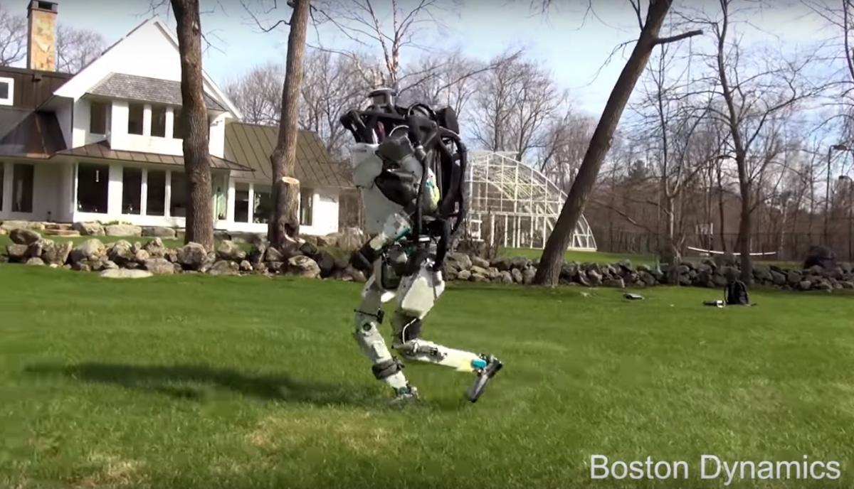 Робот, который уже умеет делать сальто, улучшил технику бега / Кадр из видео BostonDynamics