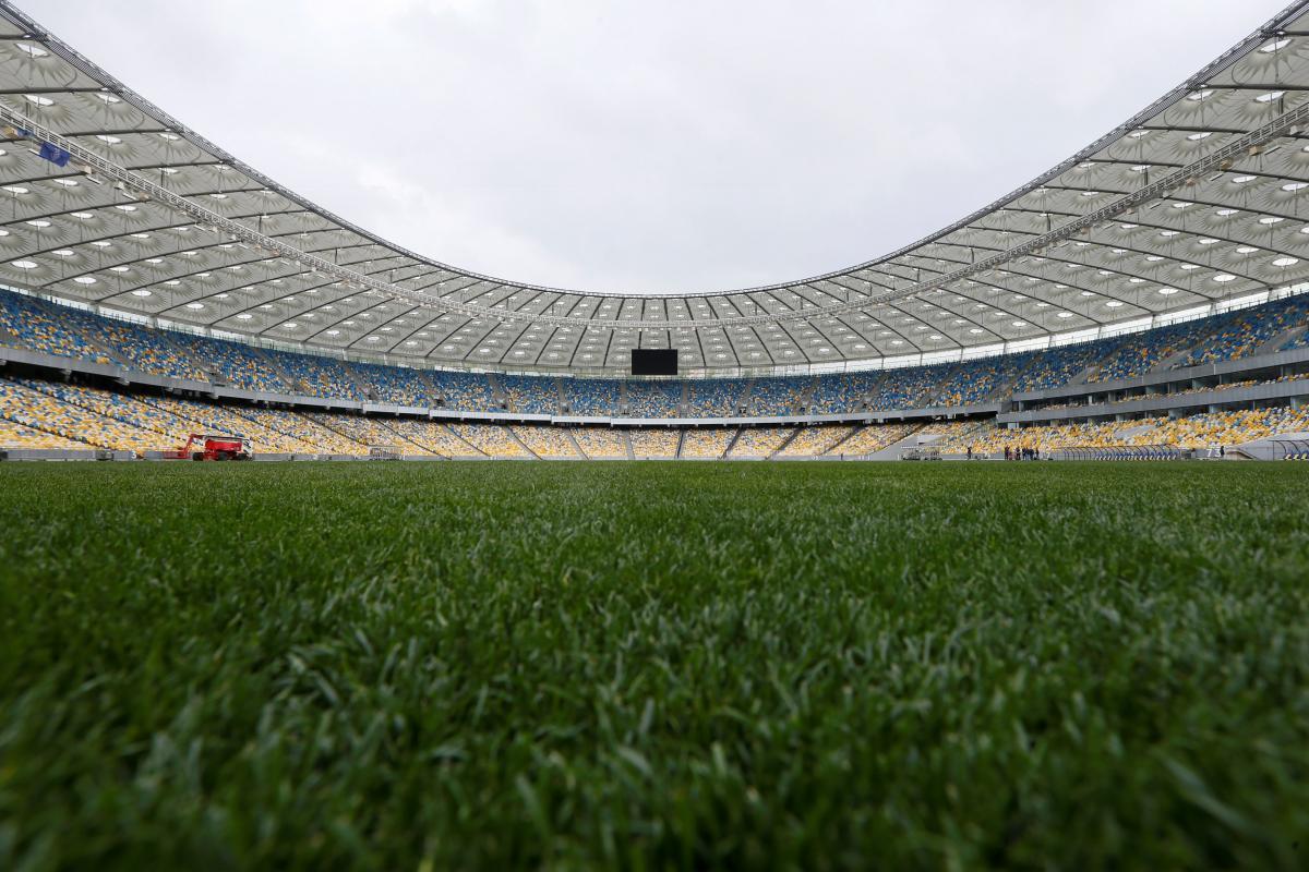 """Газон на НСК """"Олімпійський"""" витримавпроведення передвиборних дебатів / Reuters"""
