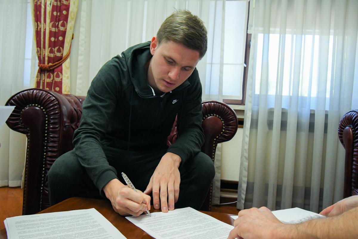 Калитвинцев будет принадлежать Динамо до конца сезона 2019/20 / fcdynamo.kiev.ua