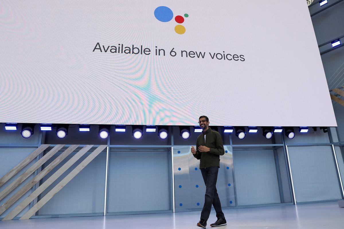 Глава Google Сундар Пичаи продемонстрировал новую функцию голосового помощника | REUTERS