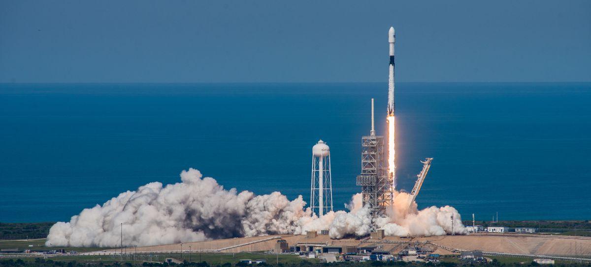 Определена примерная дата первого коммерческогой запуска Falcon Heavy\ фото spacex.com