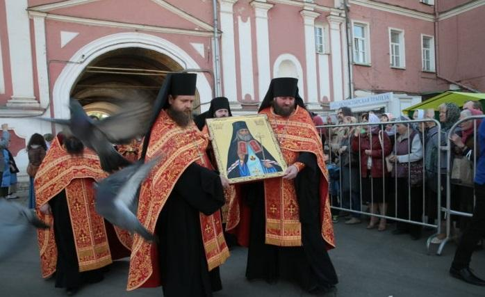 ВДонском монастыре встретили мощи святителя Луки (Войно-Ясенецкого)