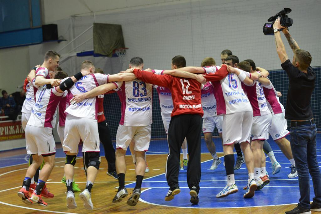 Мотор шестой год подряд стал чемпионом Украины / handball.motorsich.com