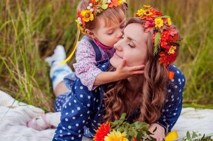 Google посвятил дудл Дню матери / фото acc.cv.ua