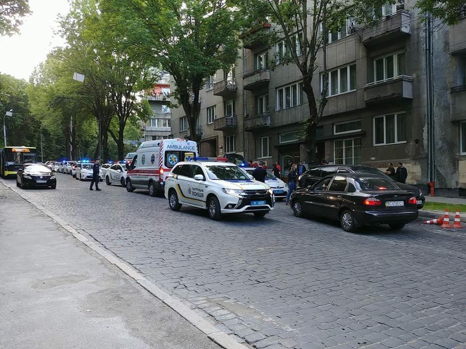 ОформлениеДТП без пострадавших превратилось для львовских коповв кровавую резню / Facebook - Igor Zinkevych