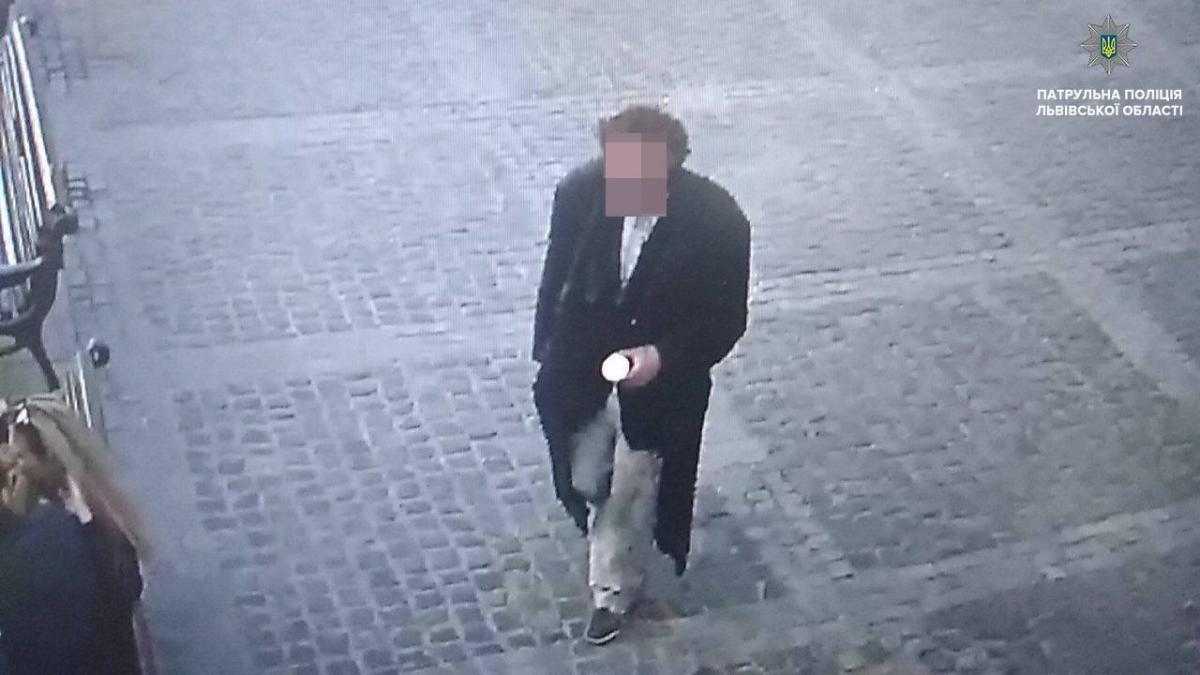 Патрульні виявили підозрюваного у крадіжці з церкви / facebook.com/lvivpolice