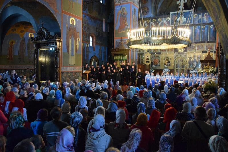 У Почаївській лаврі відбувся III-й фестиваль пасхальних піснеспівів / news.church.ua